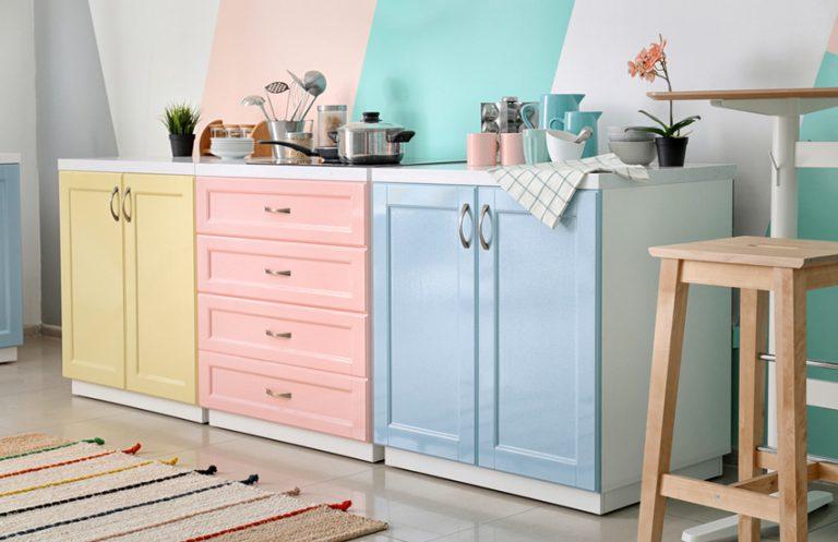 ۱۵ ایده برای انتخاب رنگ کابینت آشپزخانه و نکات مهمی که باید بدانید