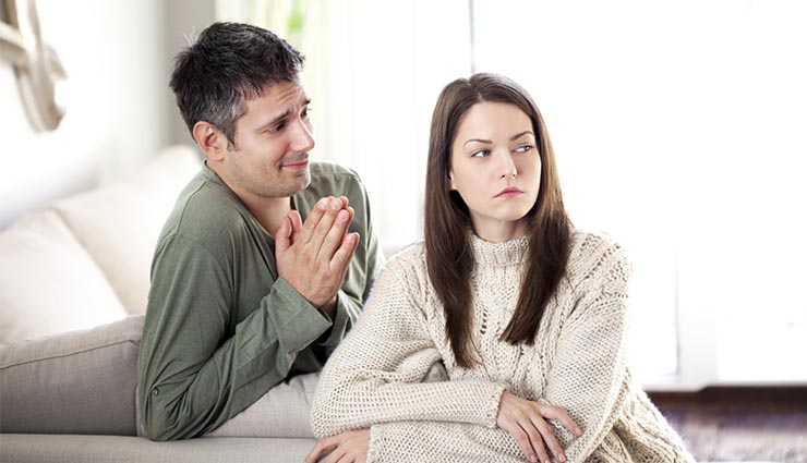 آیا من در یک رابطه اشتباه هستم؟ ۱۳ نشانه مهم و کارهایی که باید انجام دهید